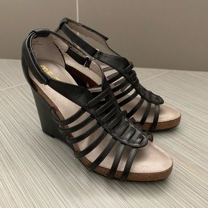 Mee too leather wedges